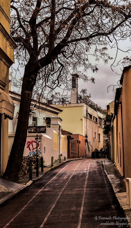 γιαννης τσουμαλης, γιάννης τσούμαλης,πλάκα,  a world's attic, A worlds attic, giannis tsoumalis, worldsattic.blogspot.gr, στο χορό των εποχών, Αθήνα, μια ιστορία