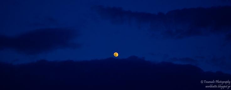 γιαννης τσουμαλης, γιάννης τσούμαλης,φεγγάρι, moon,   a world's attic, A worlds attic, giannis tsoumalis, worldsattic.blogspot.gr, στο χορό των εποχών, Αθήνα, μια ιστορία